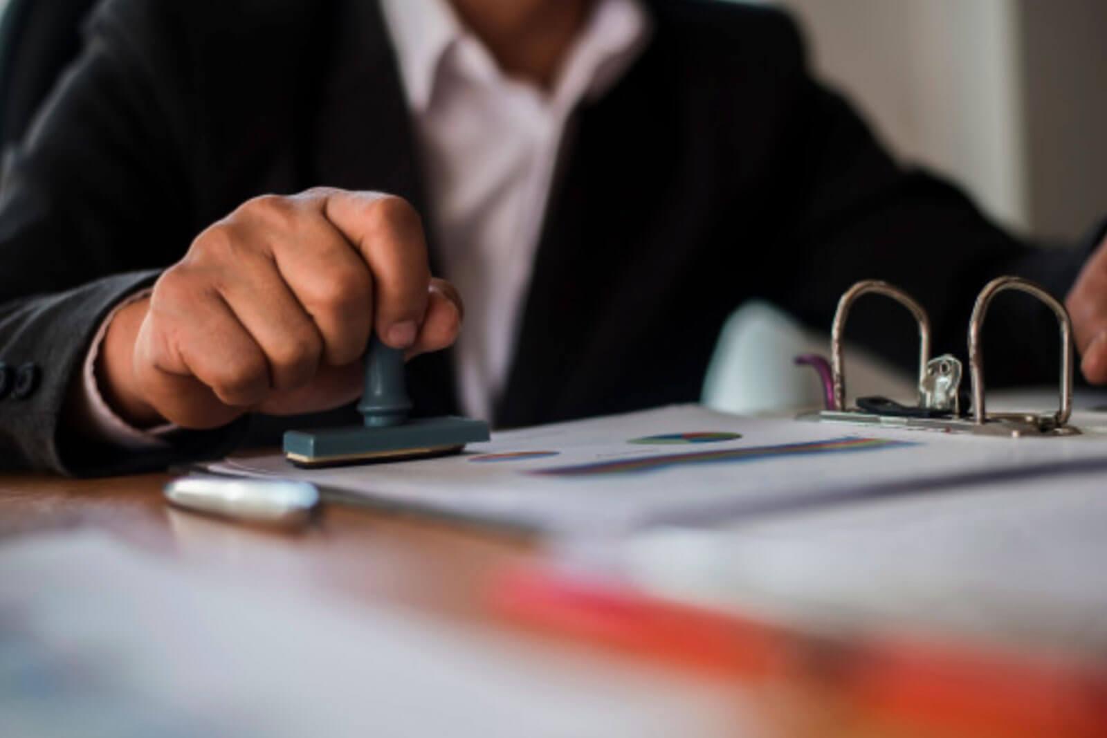 garantias del notario