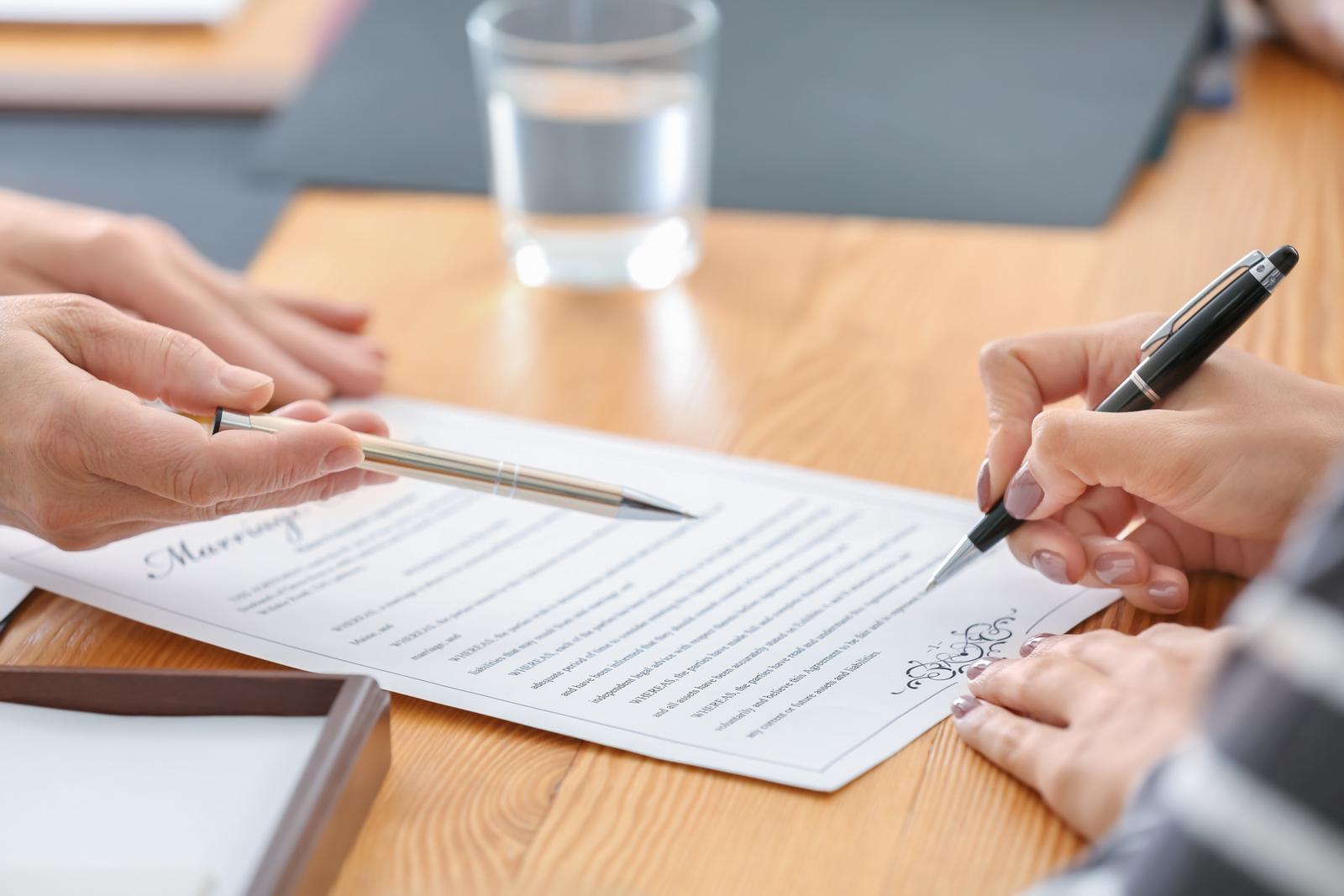 Cómo hacer un poder notarial en Alcalá de Henares
